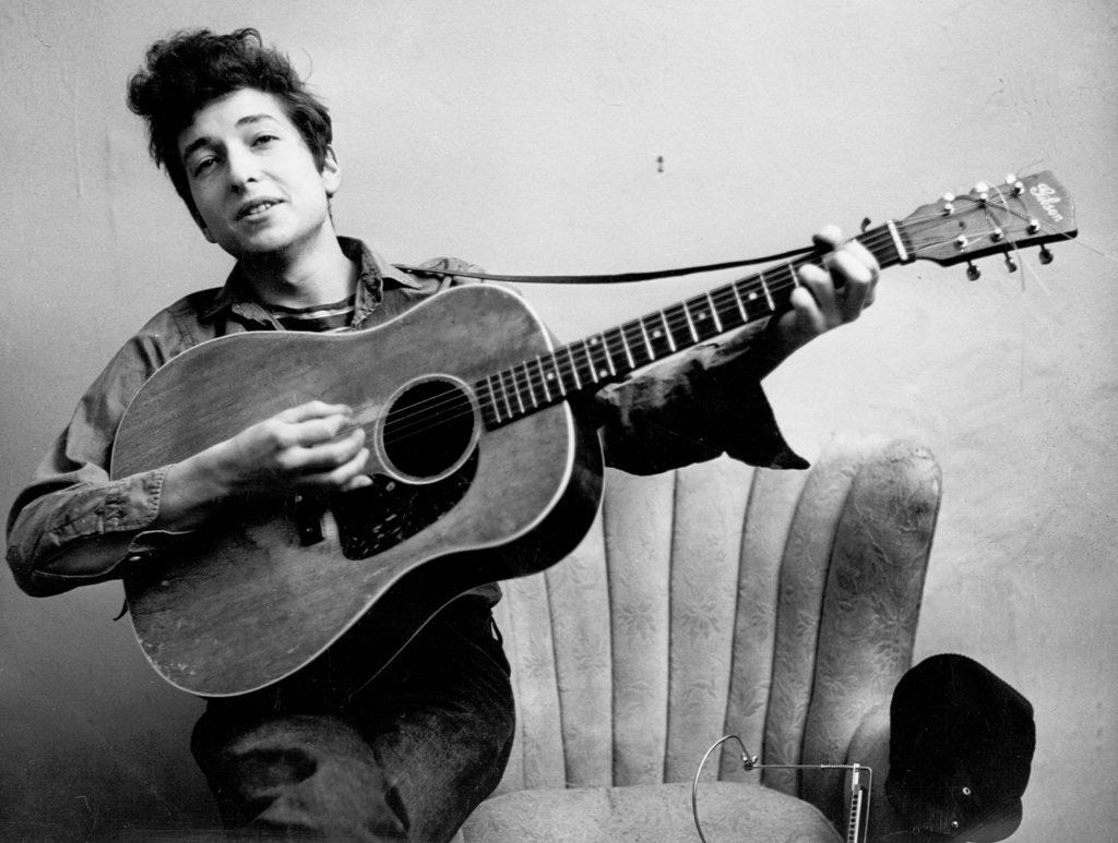 ボブ・ディラン(Bob Dylan)の生い立ちと初期の音楽活動。
